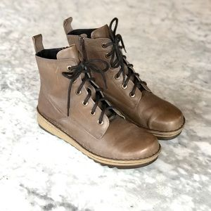 Naot | Lace Up Ankle Boots